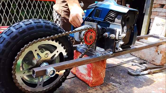 Самокат с мотором от триммера своими руками