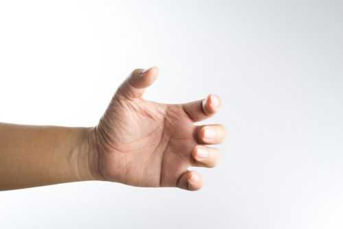 Дрожание рук: возможные причины
