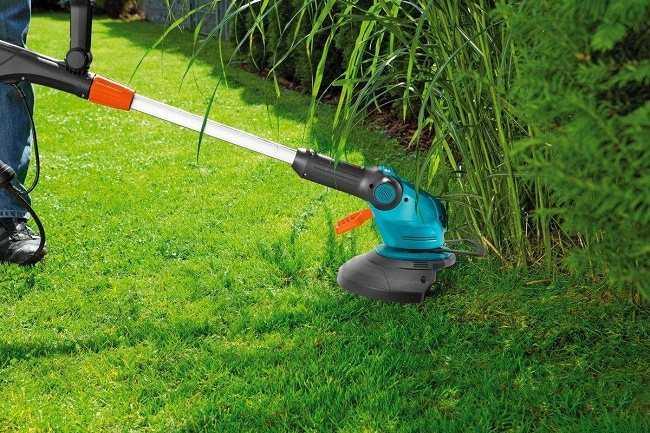 Триммер или газонокосилка — что лучше выбрать для дачи, приусадебного участка, чем отличаются эти аппараты, какие преимущества и недостатки каждого из них?