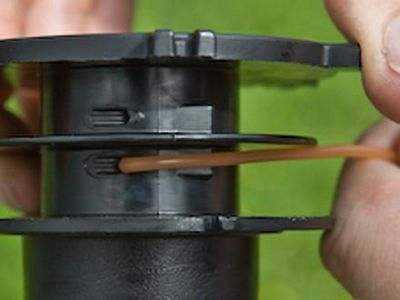 Как правильно заправить леску в триммер макита